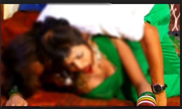 रात ढाई बजे पति को बेड के नीचे से आने लगी उह-आह की आवाज, झांककर देखा तो उड़ गये होश..
