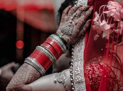 Bride after marriage ceremony with groom ran away with lover