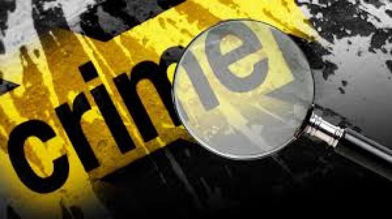 घर में घुसकर महिला के साथ किया दुष्कर्म, विरोध करने पर रिश्तेदार को मारी गोली