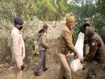 Noida: Dead body of young man found in front of DM office