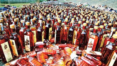 Large-scale illegal liquor seized in Delhi, 2 arrested