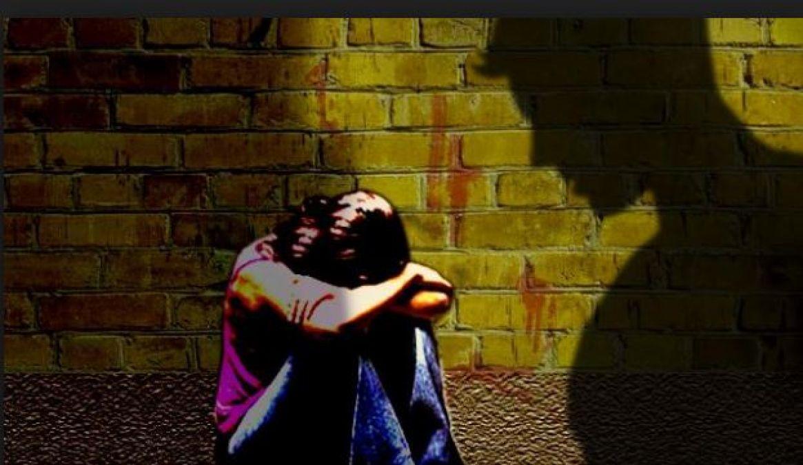 इस वजह से 5 साल तक पिता के बलात्कार को सहती रही सगी बेटी