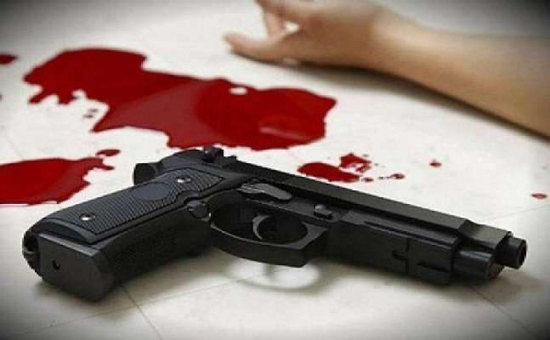 A man shot himself to implicate another man