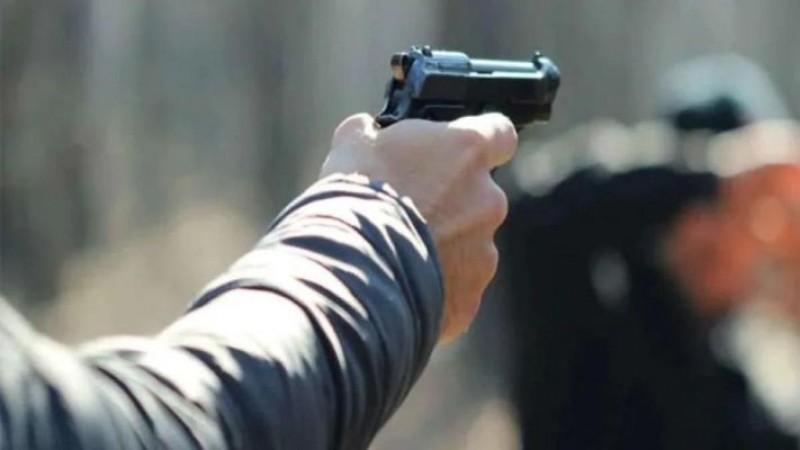 यूपी के रिटायर्ड पुलिसकर्मी पर की गई फायरिंग, बाल -बाल बची जान