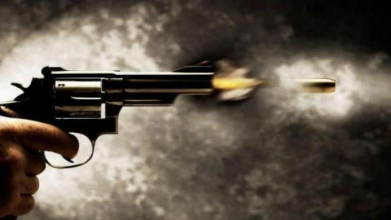यूपी में ज्वेलर पर दिनदहाड़े गोलीबारी, बदमाशों ने दूकान में घुसकर की फायरिंग