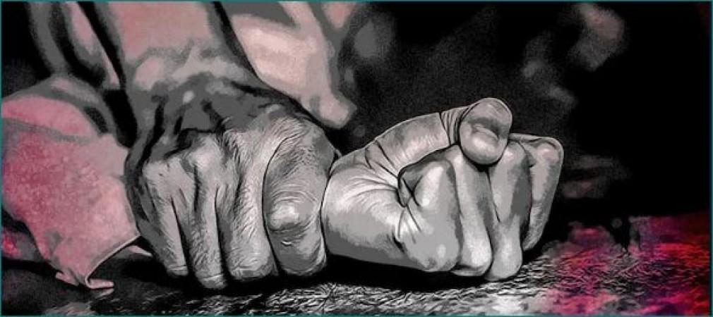 महिला को दुष्कर्मी से बचाने आए दो युवकों ने किया सामूहिक दुष्कर्म