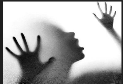 A 32-year-old woman raped by a man in front of children