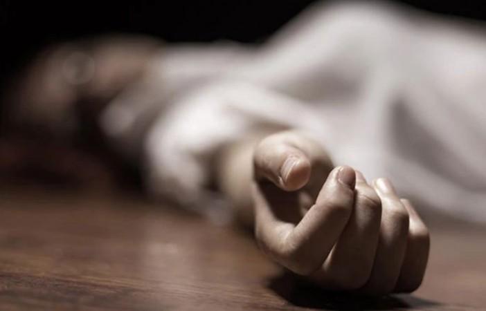 70 वर्षीय महिला की गला रेतकर हत्या, फ्लैट में पड़ा मिला रक्तरंजित शव