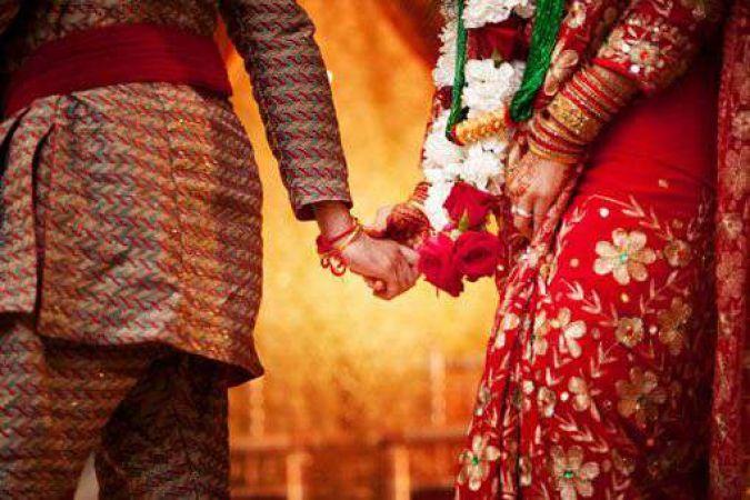 शादी में अचानक दुल्हन ने दी दूल्हे को ताबड़तोड़ गालियां और जड़ दिया थप्पड़...