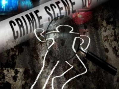 Drunk husband kill and cut wife with axe, absconding
