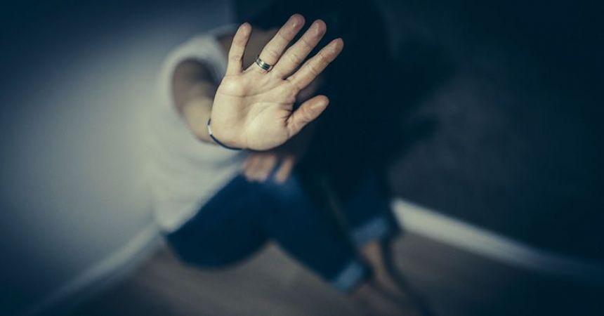 दोस्ती में दगा : सहेली ने करवा दिया बलात्कार