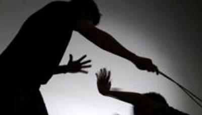 झारखण्ड: घर में घुसकर, आईएएस अफसर को पीटा