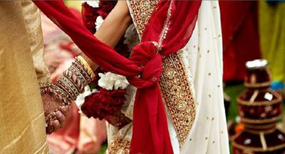 Groom runs away from his wedding after seeing his ex- girlfriend