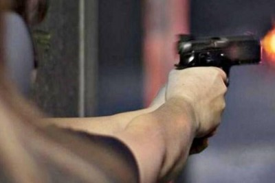 Lover shoots woman constable distributing her wedding card