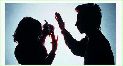 नाश्ते में पति को मिला बाल तो कर दिया पत्नी को गंजा, हुआ गिरफ्तार