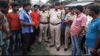 घर के बाहर टहल रहे बर्तन व्यवसायी की हत्या, इलाके में फैली दहशत