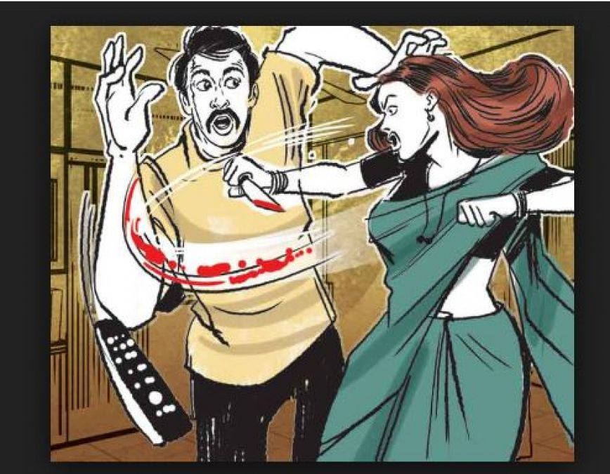 Case of dowry harassment; Wife beat up husband outside the police station