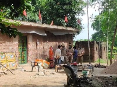 Priest, wife and son murdered in Uttar Pradesh