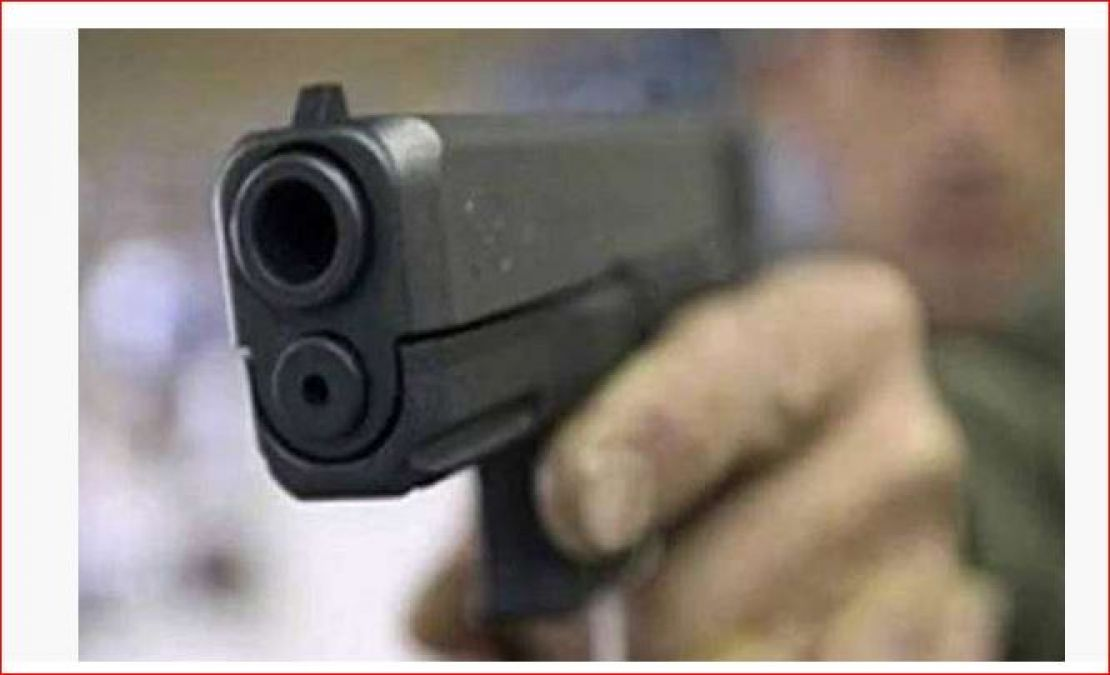 6 people shot dead in firing due to mutual enmity