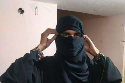 Boy went to meet his girlfriend in Burqa and then...