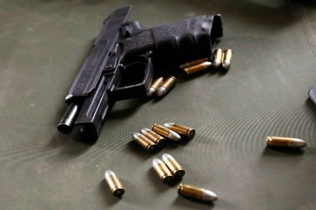 दिल्ली पुलिस ने हथियार तस्कर को दबोचा, पिस्टल समेत 500 कारतूस जब्त