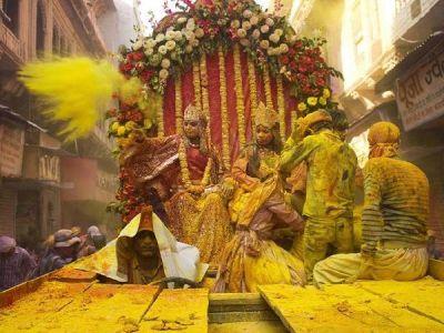 Know how Kanha's Braj celebrates Holi