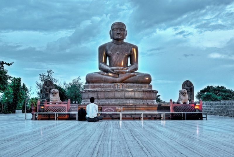 8 teachings of Lord Mahavira which will guide you in living a happy life