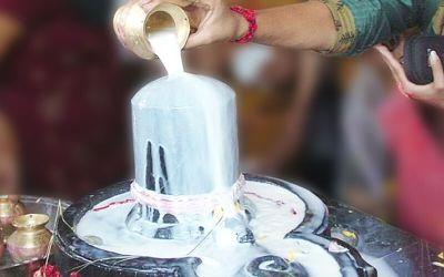 मनोरथ पूर्ति के लिए करें 6 धाराओं से भगवान शिव का अभिषेक
