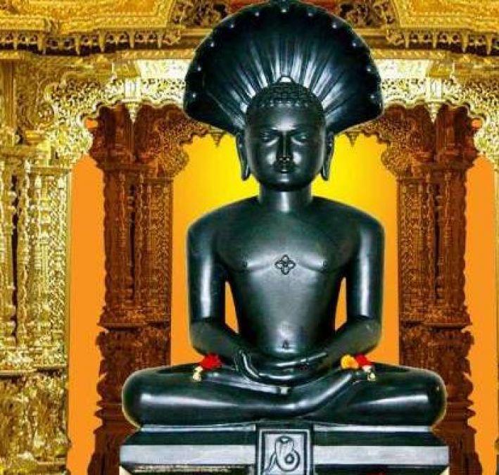 जैन धर्म में काफी महत्वपूर्ण है भगवान पार्श्वनाथ चालीसा