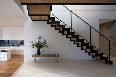 सीढिया भी बन सकती है वास्तुदोष का कारण