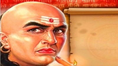 Follow these policies of Chanakya to become an efficient leader