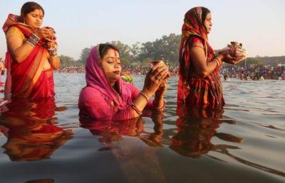 प्रथम अर्ध्य आज,डूबते हुए सूरज की होगी पूजा