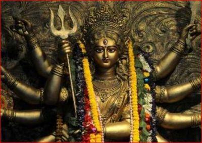नवरात्र से पहले जरूर पढ़िए माँ दुर्गा की उत्पत्ति की कथा