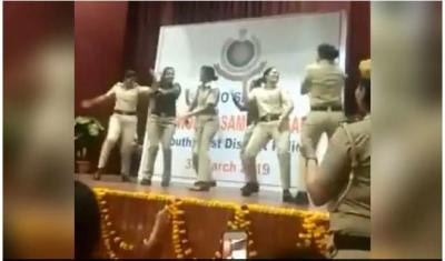 Delhi Policewomen get lighthearted, shaking legs on Sapna Chaudhary song..viral video inside