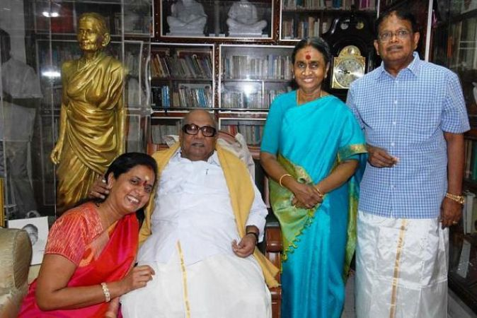 Special coverage :Controversies on M Karunanidhi's  family