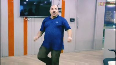 Dancing Uncle shakes a leg to Julie Julie from Jeete Hain Shaan Se