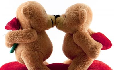 Teddy Day 2019: Wish your loved and dear ones with these lovely messages on social media