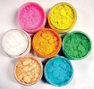 This is why you should play Holi with organic colours