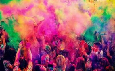 Don't play Rangpanchmi with the synthetic colours to avoid these harmful effects