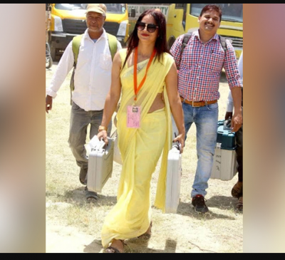 "Poll Duty officer become 'Internet sensation in Yellow"" compete actresses by her look"