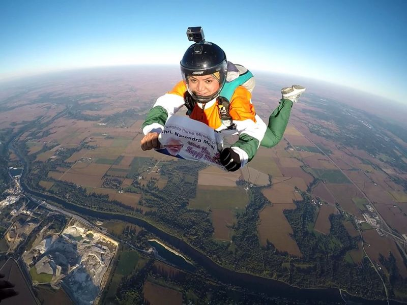 35-Year-Old Woman jumped off From 13,000 Feet to Wish PM Modi on His  68th birthday