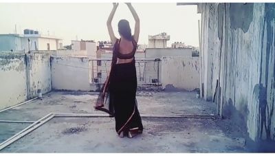 A Girl's dancing version of 'Oonchi Hai Building'