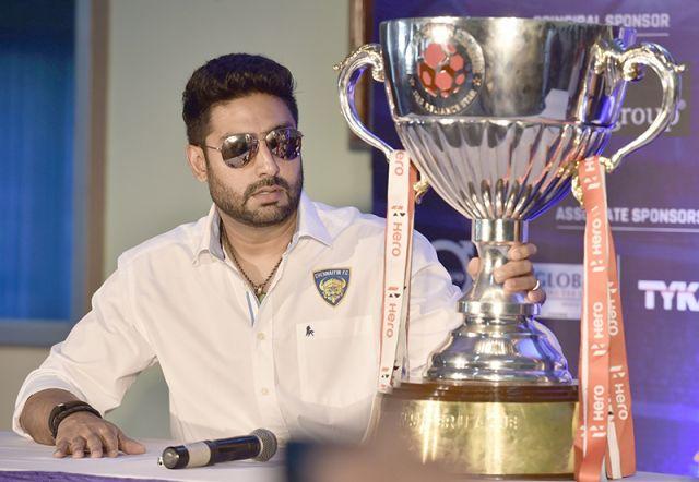चेन्नई FC की प्रेस कांफ्रेंस में पहुंचे अभिषेक