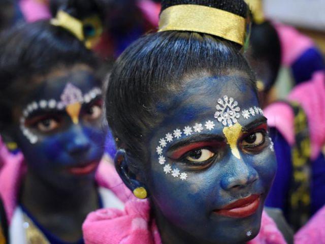 This 'Dahi Handi'-girls turned in Krishna's getup !