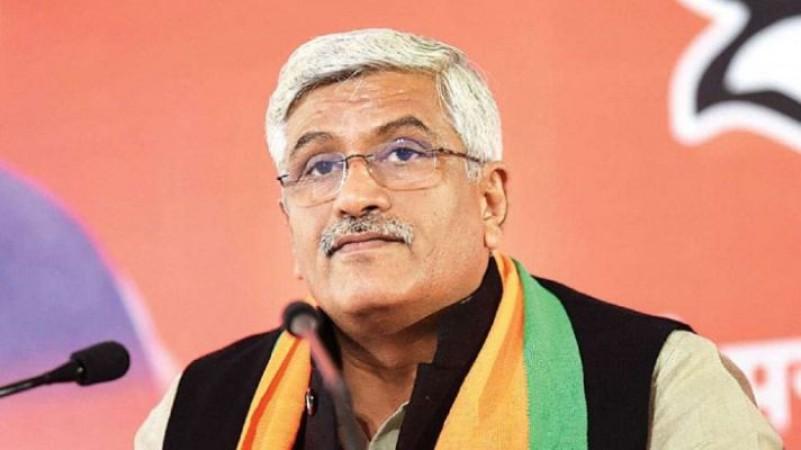 राहुल गाँधी ने की महबूबा मुफ़्ती की रिहाई की मांग, केंद्रीय मंत्री शेखावत ने दिया करारा जवाब