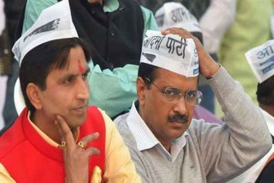 Kumar Vishwas Targets Kejriwal On Supporting Central Government On Article 370