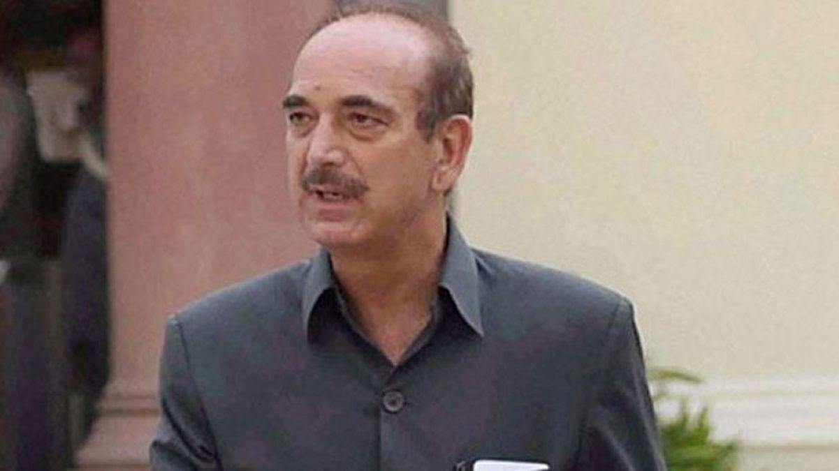 कांग्रेस के दिग्गज नेता गुलाम नबी आज़ाद को श्रीनगर एयरपोर्ट पर रोका, वापस भेजे जाएंगे दिल्ली