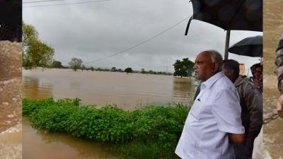 Karnataka: Flood  wreaks havoc, CM Yeddyurappa assesses the situation himself