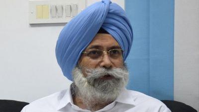 Senior lawyer H.S. Phulka challenges Sidhu