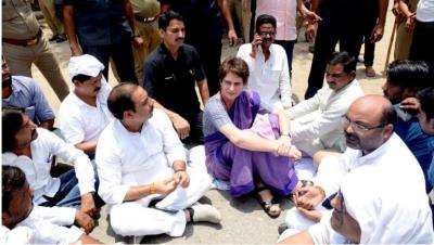 Sonbhadra massacre: Priyanka once again reached Umbha village, met victims